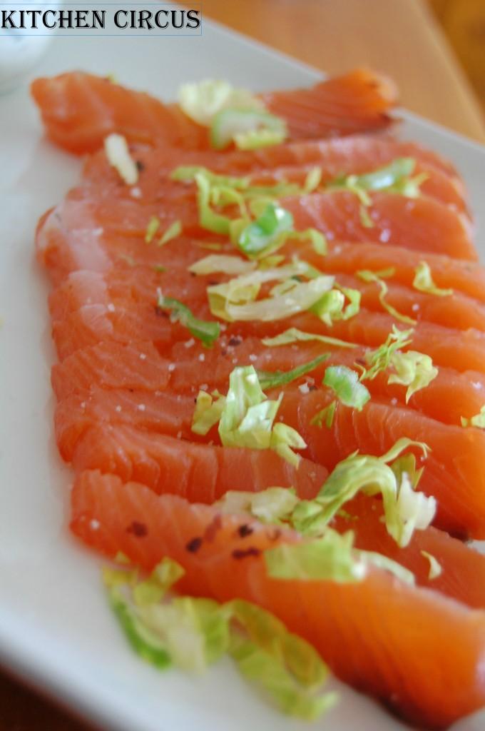 Kitchen : Gravlax de saumon aux algues, crème ail-ciboulette et pommes vapeurs dans Kitchen dsc_0172